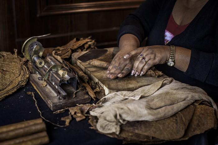 Magia din mainile unui torcedor cubanez
